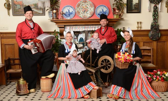 Tradiciniai Volendam miesto rūbai